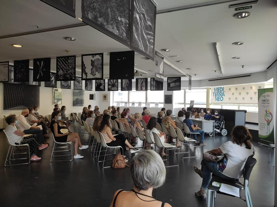 La Asociación Infancias realizó su presentación en un acto que contó con la presidenta del Colegio